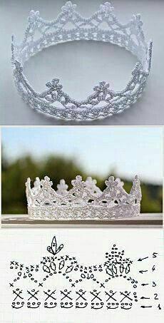 Corona blanca hecha a mano en ganchillo