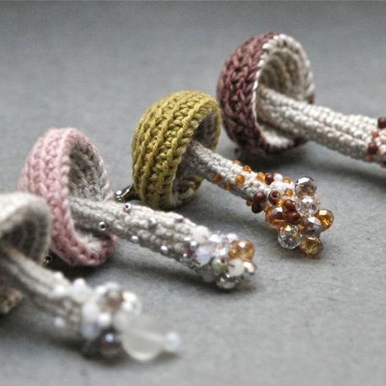 4 setas de crochet, 4 broches de lujo