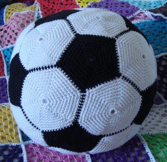 pelota de fútbol ganchillo