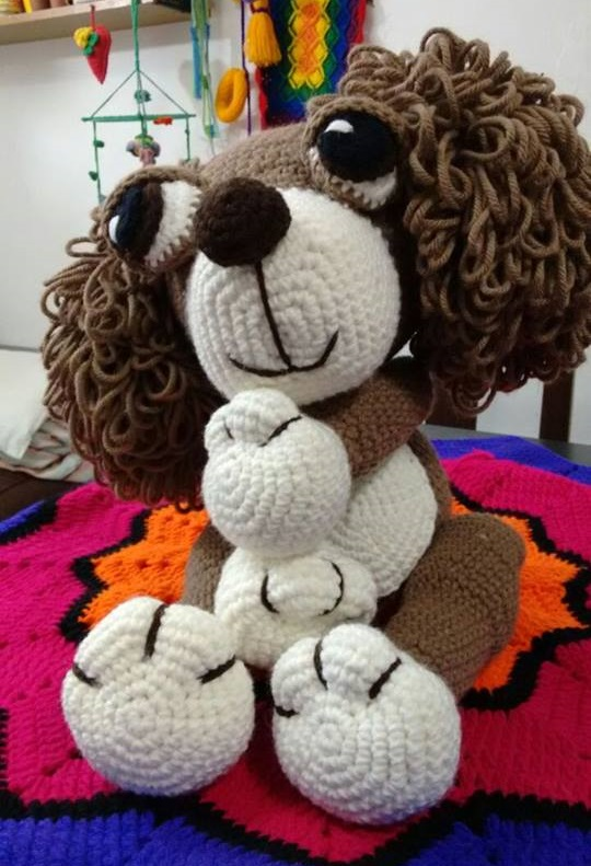 Cocker hispaniel amigurumi hecho en ganchillo