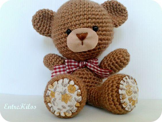 Típico Osito Teddy hecho en ganchillo