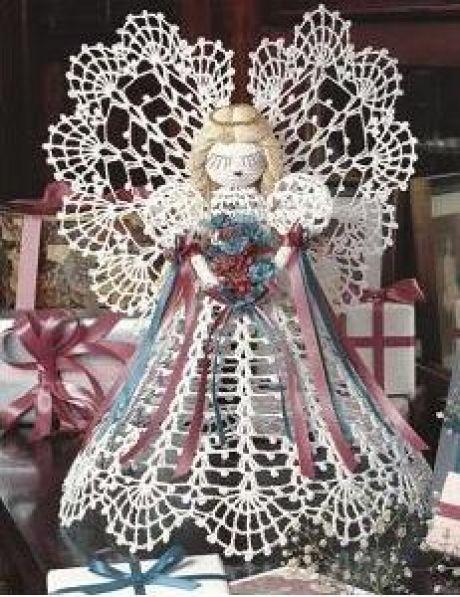 Ángel de la Anunciación en ganchillo