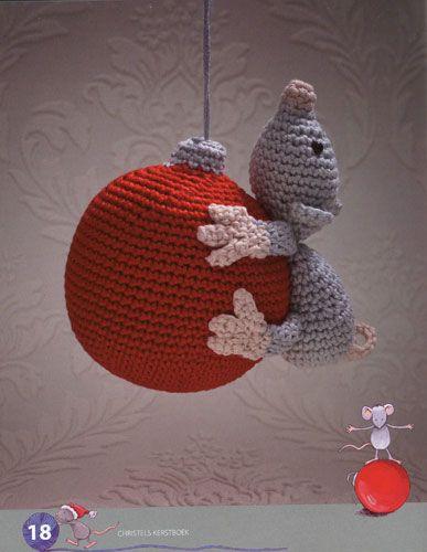 Ratón para Navidad, hecho a mano en ganchillo