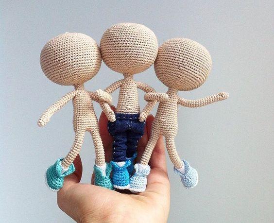 Muñecos con esqueleto de limpiapipas o cable